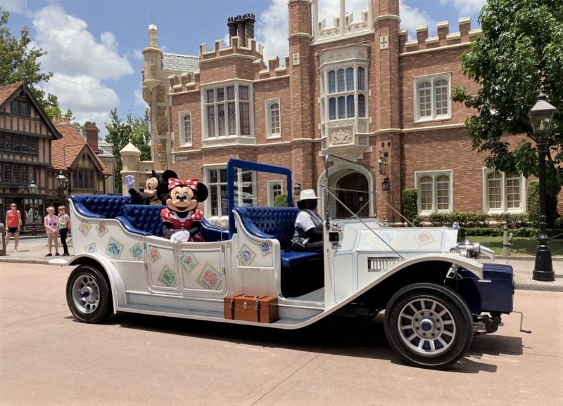 Mickey and Minnie Cavalcade