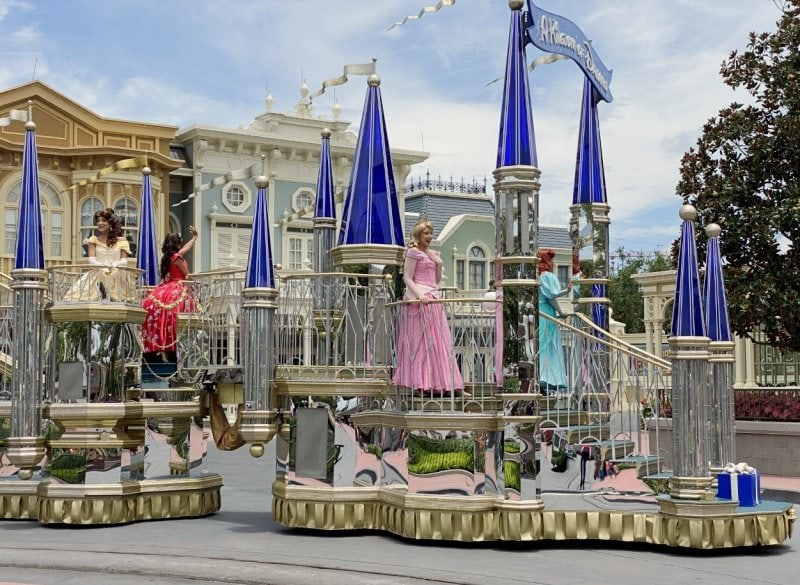 Disney princesses cavalcade